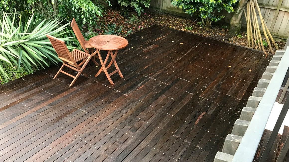 Paths, Driveways, Decks, Walls & Pool Area Cleaning